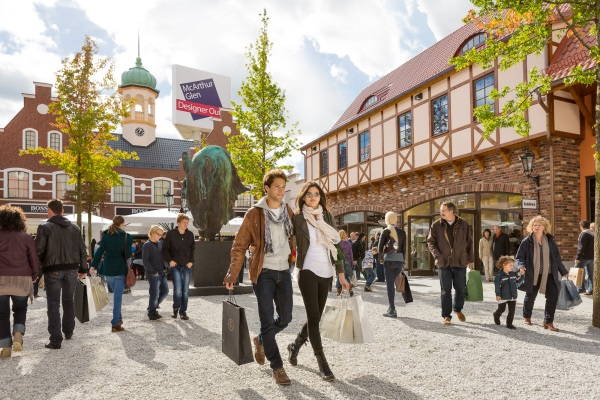 people counting case study retailer McArthurGlen